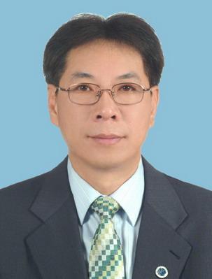 理事 李培坦